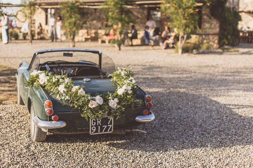 Wedding car garland Tuscany Italy Destination wedding by Passion for Flowers