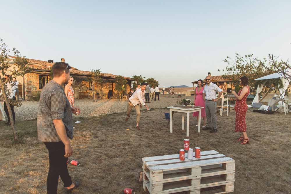 Garden games for wedding guests tin can alley - destination wedding Locanda In Tuscany