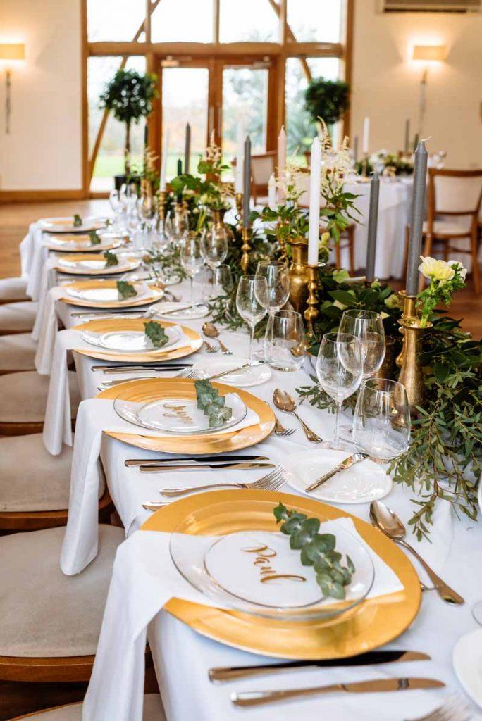 foliage-place-settings-wedding