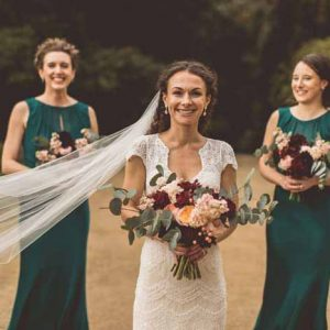 Peach deep red wedding colours autumn bouquets Passion for Flowers Hampton Manor