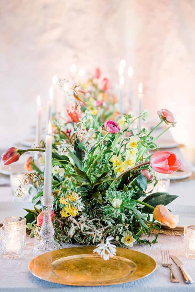 Spring long table garlands with pressed glass candlesticks Passion for Flowers Sabine Darrall course