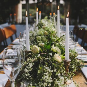 Table floral garlands by Passion for Flowers