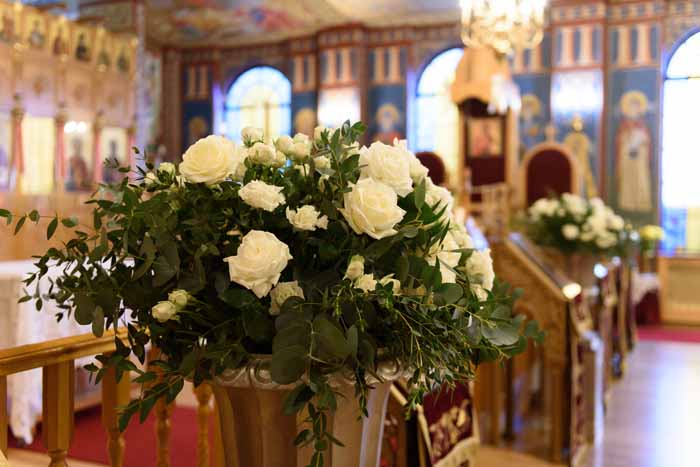 Timeless wedding urns Church wedding flowers