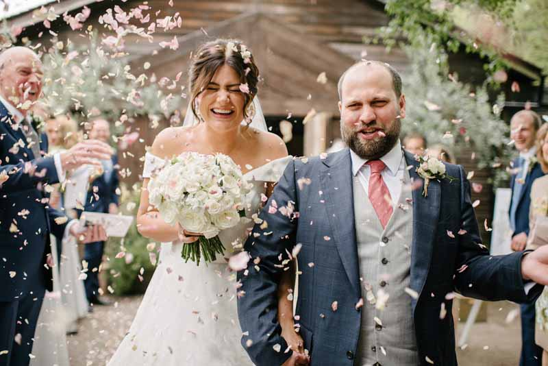 Wedding confetti classic white bouquets