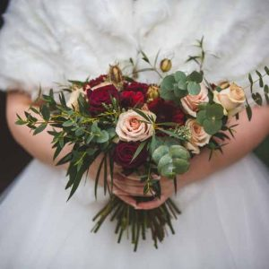 Winter wedding bouquets ideas nude blush pink deep red