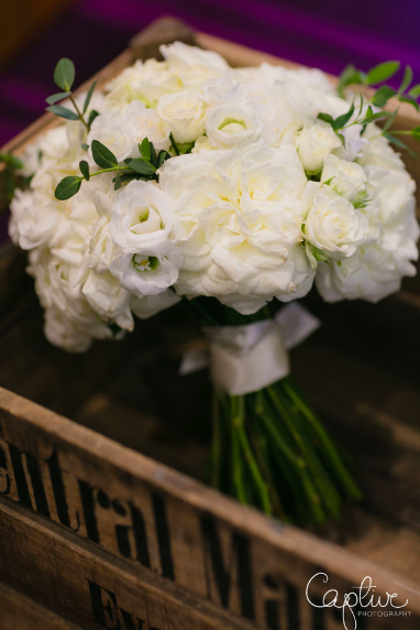 Elegant bridal bouquets white Passion for Flowers