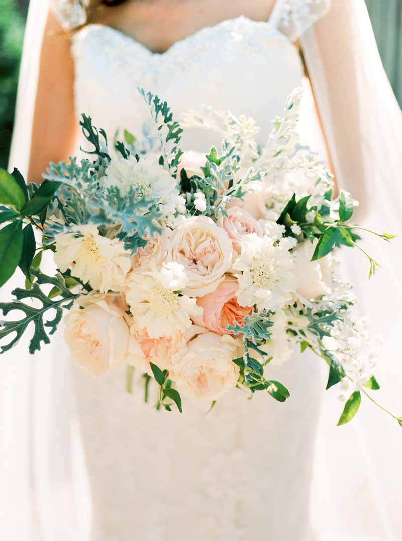 Peach-and-grey-bridal-bouquet-by-Passion-for-Flowers-@kmorganflowers-2