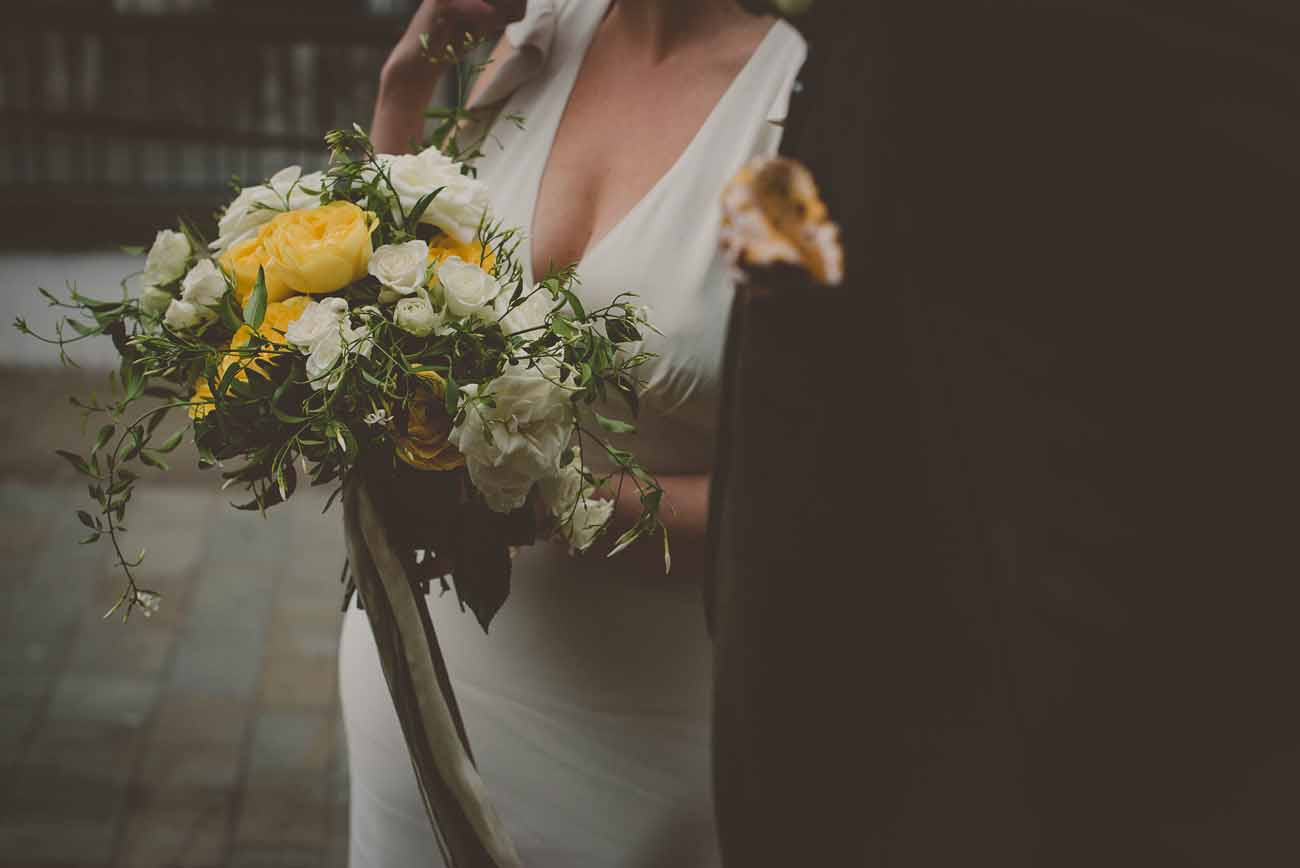 micro wedding covid yellow flowers passion for flowers 9