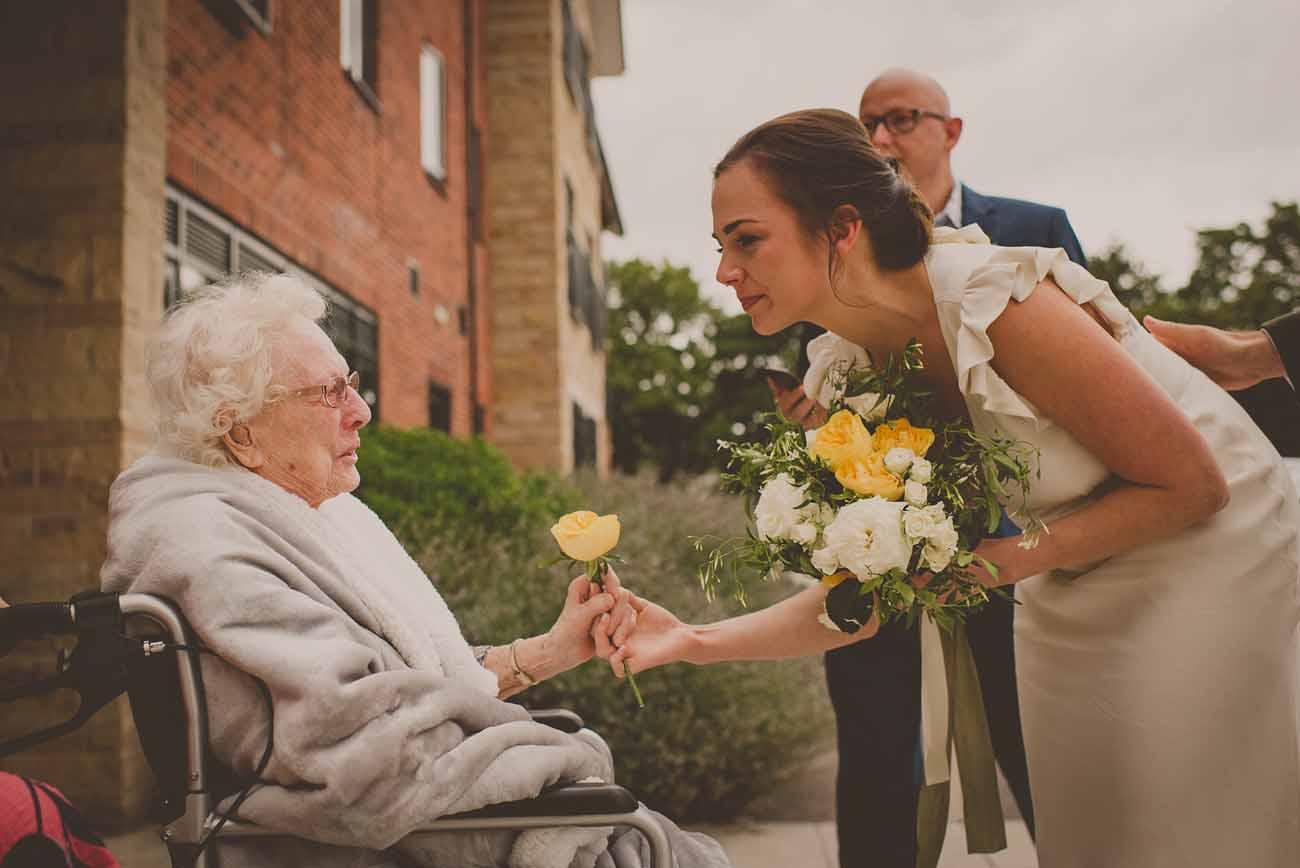 yellow wedding flowers bride bouquets